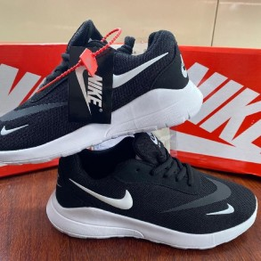 Fashion sneakers in new...
